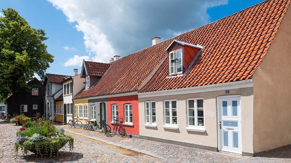 Husforsikring | Billig | Sammenlign pris, dækning og find den billigste og bedste | Hvad koster | Lovpligtig | Pris | Ejerlejlighed | Rækkehus | Andel